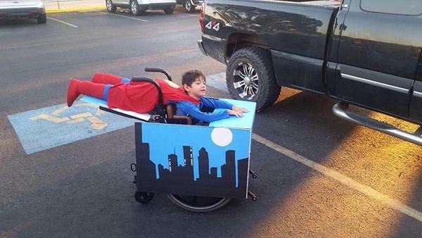 Superman-wheelchair-costume.jpg